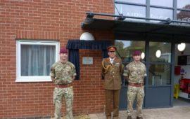 Lt Gen Bashall & soldiers